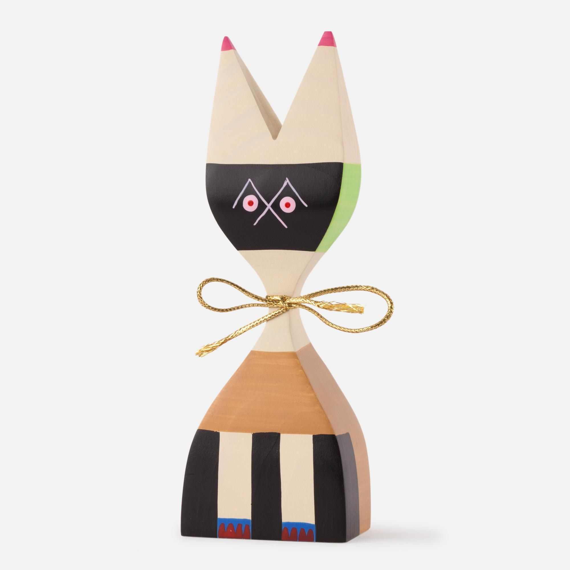 Wooden doll Nº 9