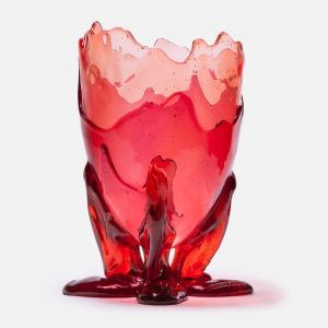 Red extracolor vase